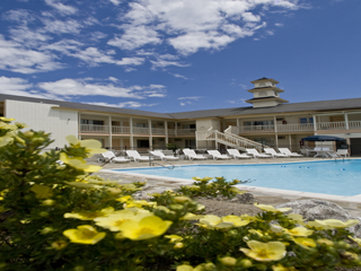 A Wave Inn