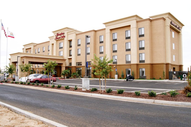 Hampton Inn - Suites Madera