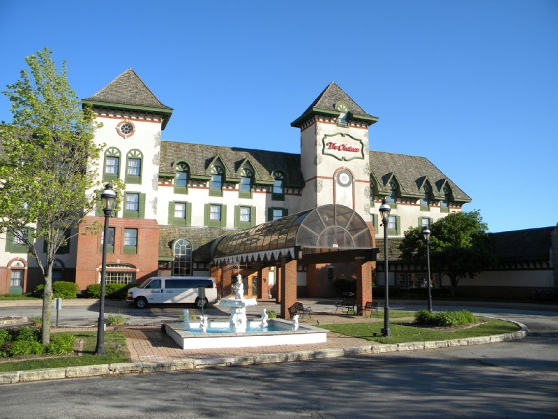 Chateau Hotel And Conference Center
