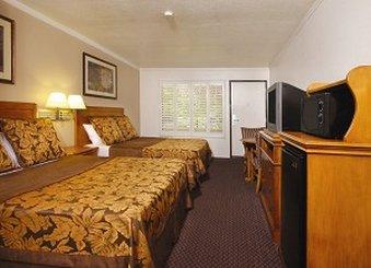 Desert Inn And Suites