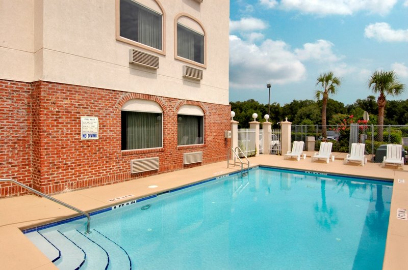 Red Roof Inn And Suites Ocala
