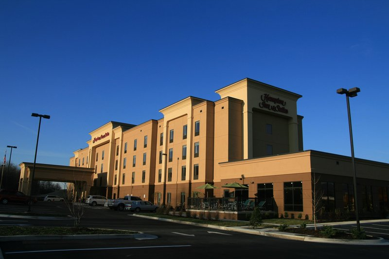 HAMPTON INN AND SUITES WOODSTOCK