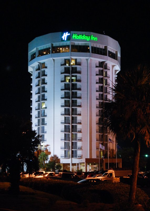 Holiday Inn CHARLESTON-RIVERVIEW