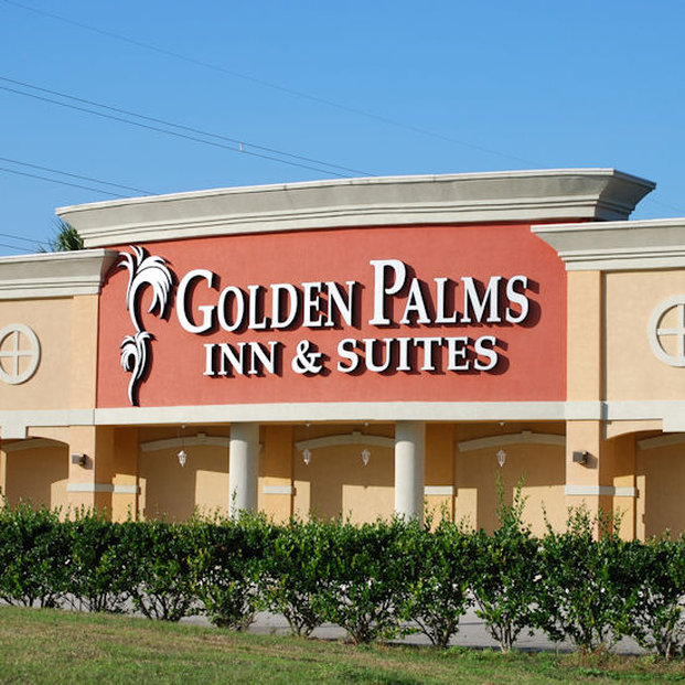 Golden Palms Inn And Suites