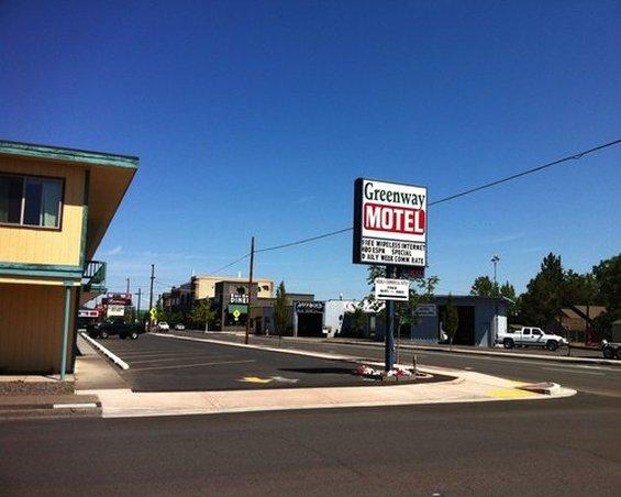 Greenway Motel