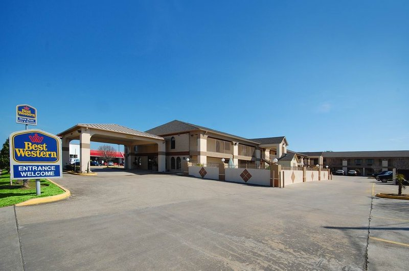 BEST WESTERN Deer Park Inn & Suites