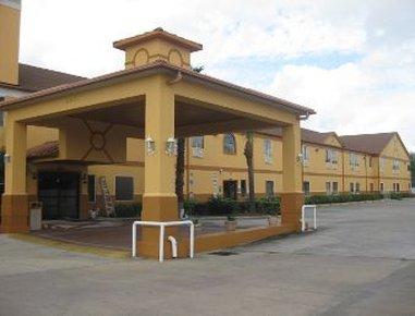 Days Inn & Suites Pasadena