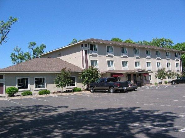 Budget Host Inn-Stes N. Branch