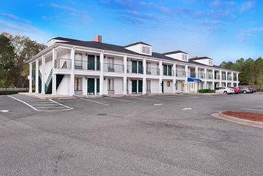 Baymont Inn & Suites Ozark