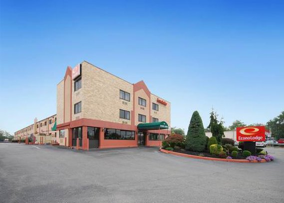 Econo Lodge Hicksville