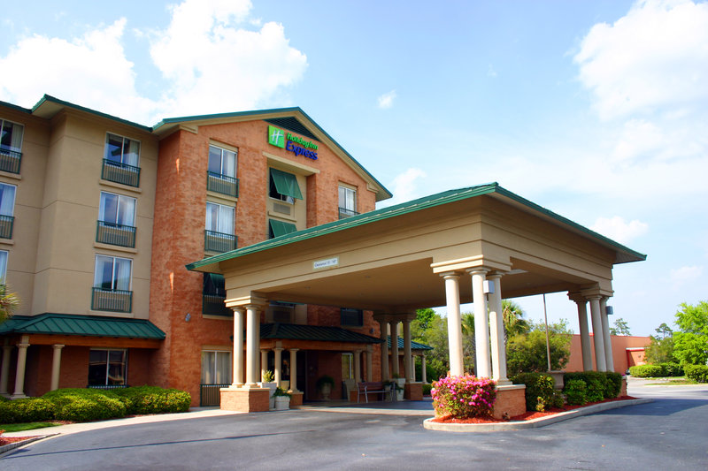 Holiday Inn Express & Suites BLUFFTON @ HILTON HEAD AREA