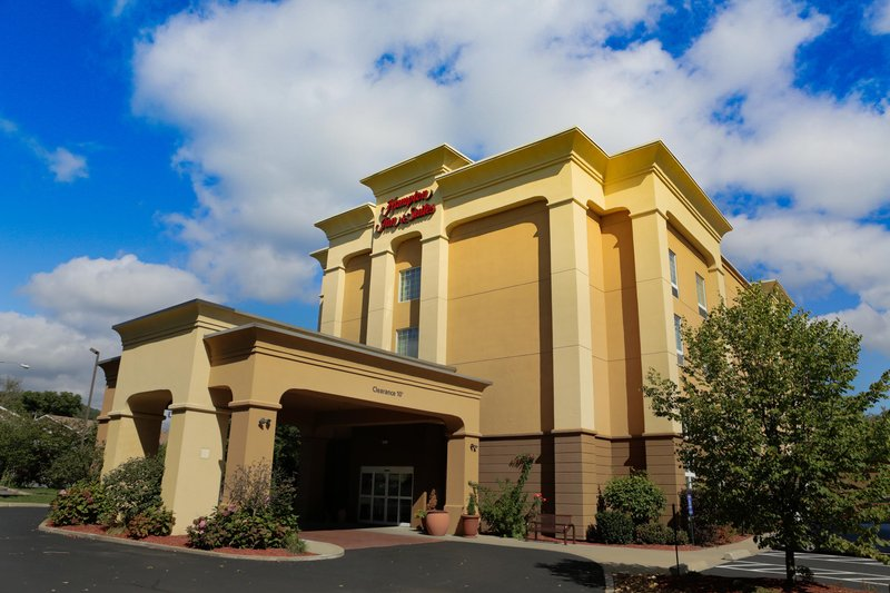 Hampton Inn - Suites Greenfield