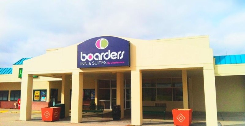 Boarders Inn And Suites - Linc