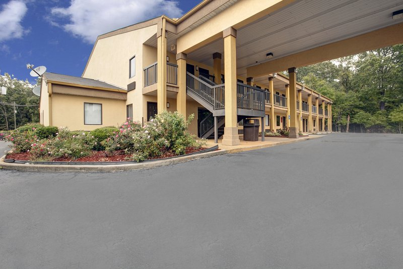Americas Best Value Inn Montezuma