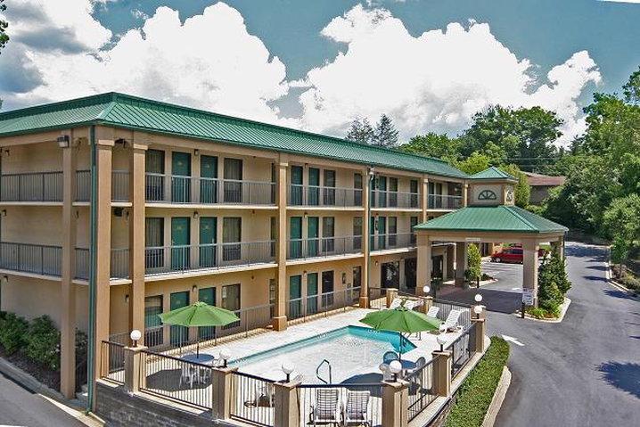 GuestHouse Inn Asheville / Biltmore