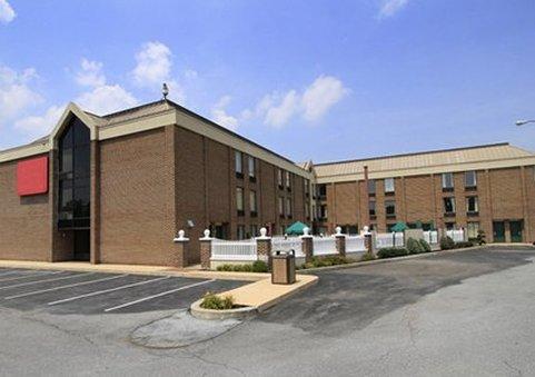 Clarion Inn & Suites Harrisburg