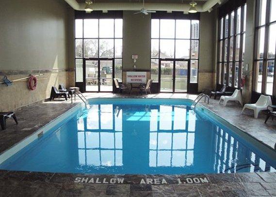 Quality Inn & Suites Niagara Falls