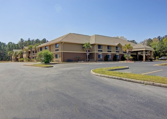 Comfort Inn & Suites At Robins Air Force Base