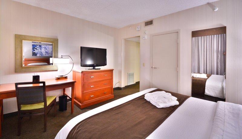 Embassy Suites Hotel-Denver Stapleton