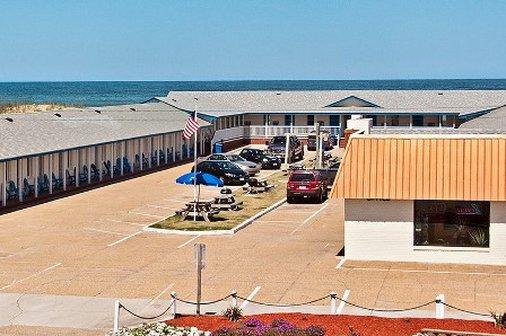 Dolphin Oceanfront Motel
