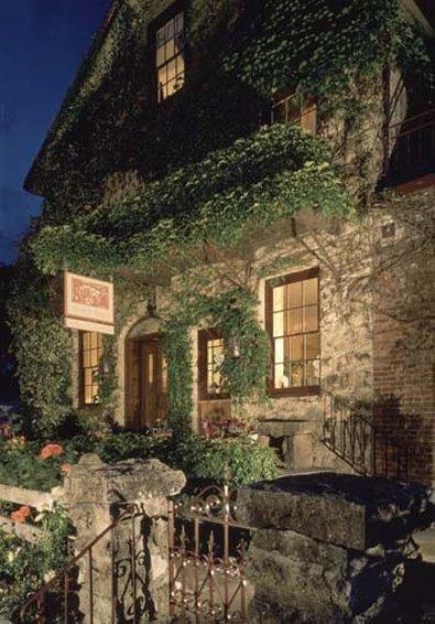 Maison Fleurie, A Four Sisters Inn
