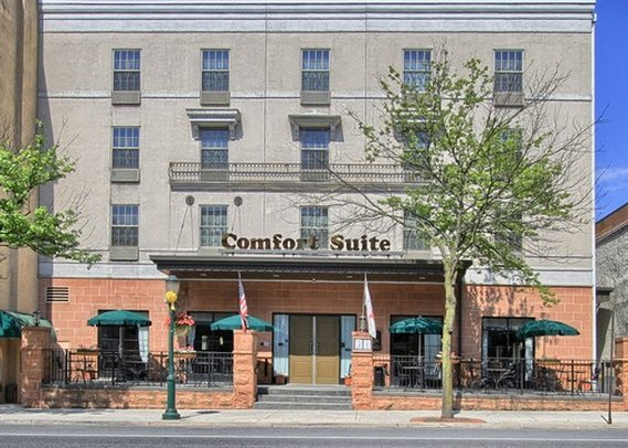 Comfort Suites Downtown Carlisle