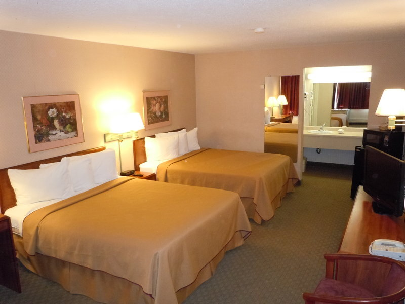 Red Roof Inn & Suites Battle Creek