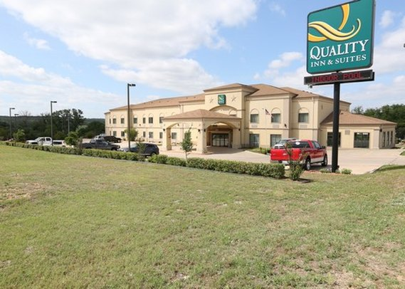 Quality Inn & Suites Glen Rose
