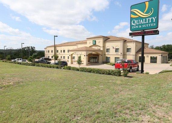 Quality Inn & Suites Glen Rose