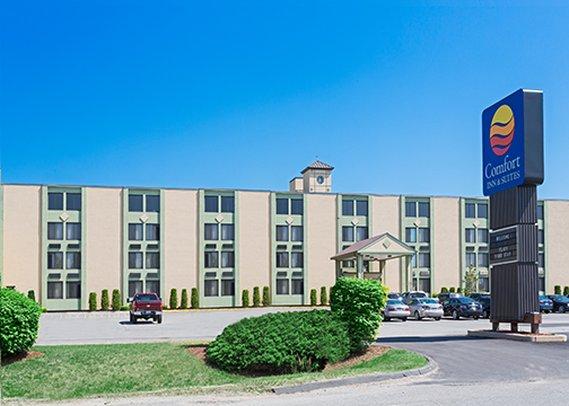 Comfort Inn & Suites Fall River