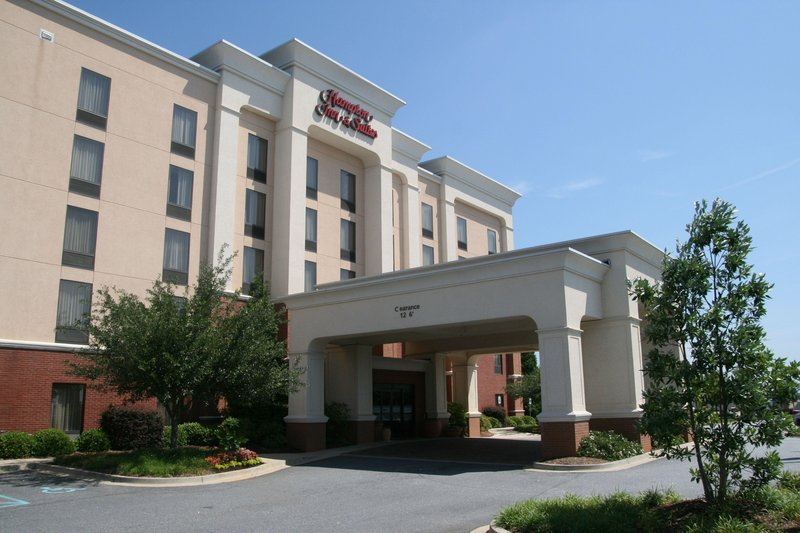 Hampton Inn - Suites Spartanburg-I-26-Westgate Mall
