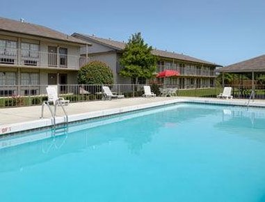 River Valley Inn And Suites