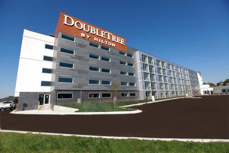 DoubleTree By Hilton Omaha Southwest