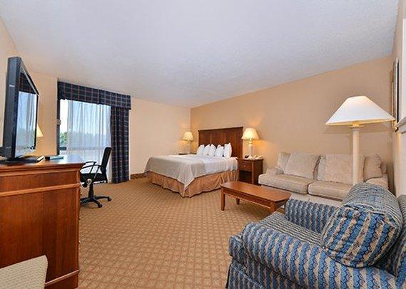 Clarion Hotel West Memphis