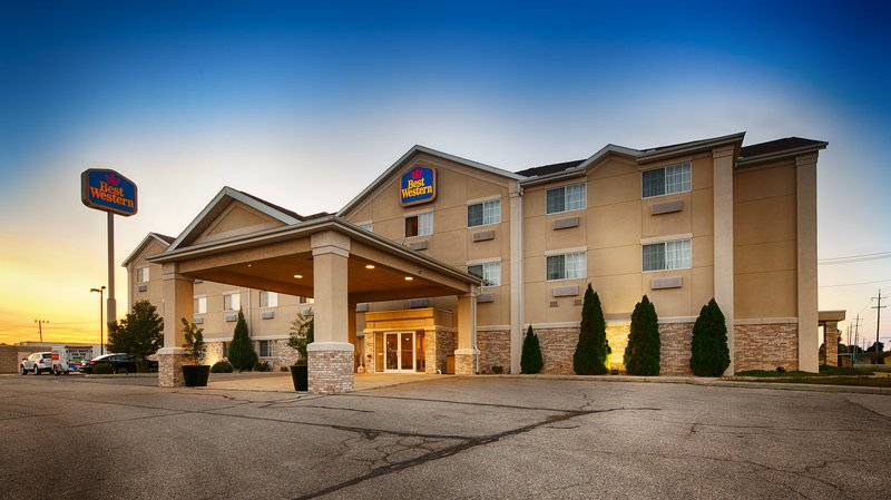BEST WESTERN Napoleon Inn & Suites