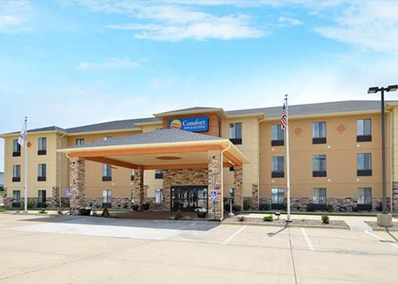 cedar rapids iowa hotels motels rates availability. Black Bedroom Furniture Sets. Home Design Ideas