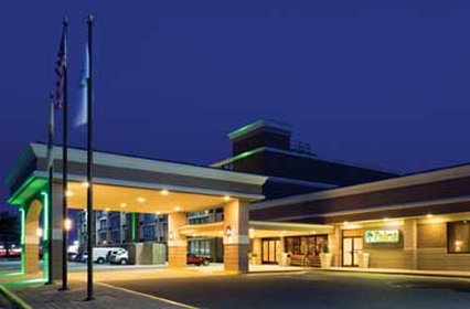T R Hotel
