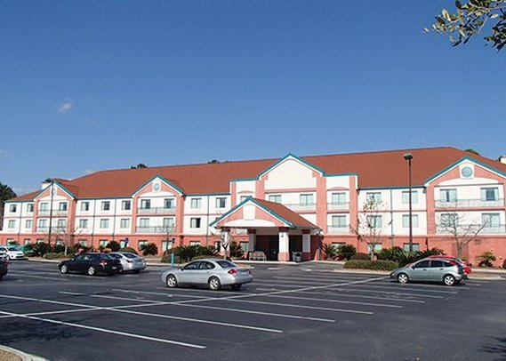 Clarion Suites & Conference Center