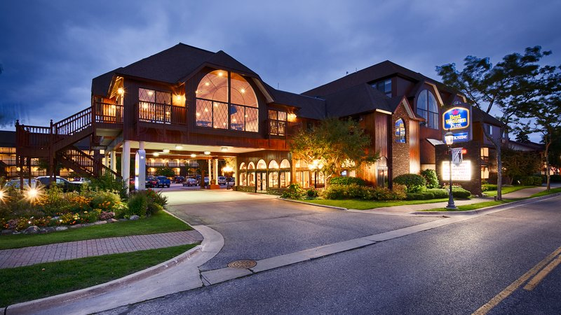 BEST WESTERN PLUS Dockside Waterfront Inn