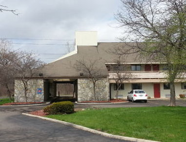 Days Inn & Suites Monroe