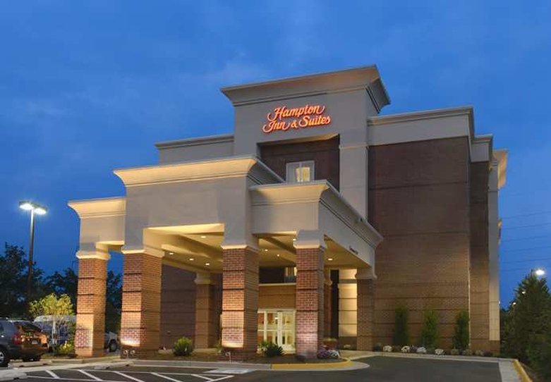 Hampton Inn - Suites Herndon-Reston
