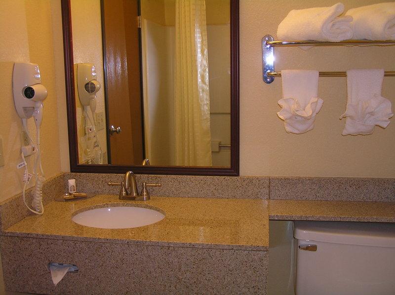 Los Lunas Inn & Suites
