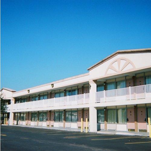 Red Carpet Inn And Suites Scranton