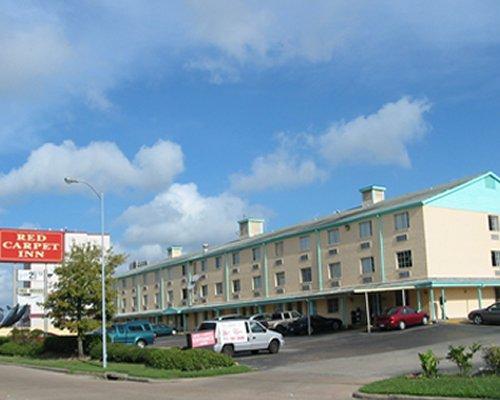 Red Carpet Inn Hornwood Dr.