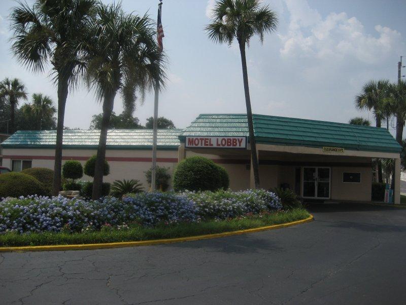 Scottish Inns Jacksonville Downtown Riverwalk Area