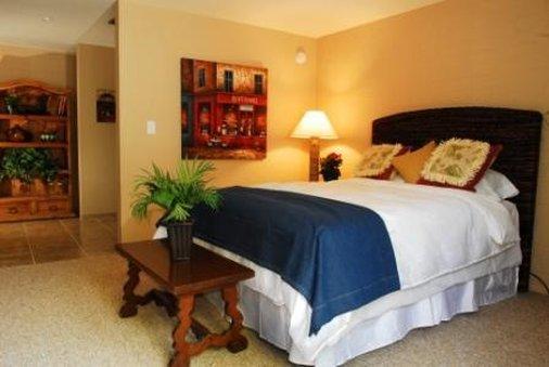 SmokeTree Resort & Bungalows