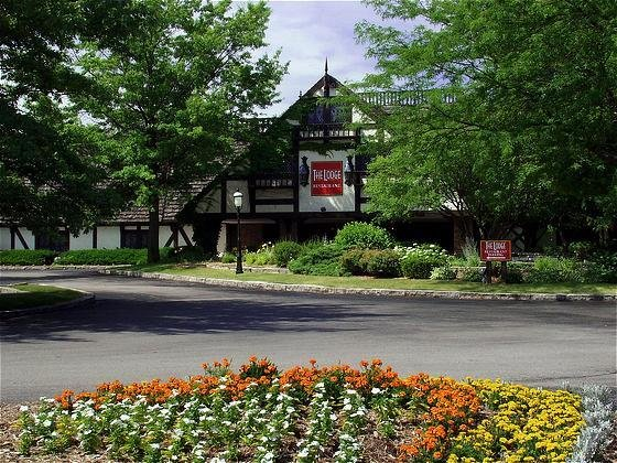 Lodge Hotel And Conference Center