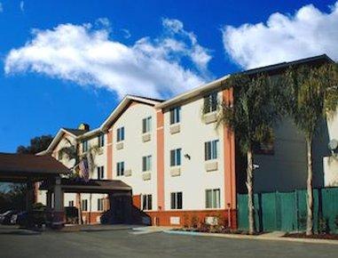 The Inn at 8435