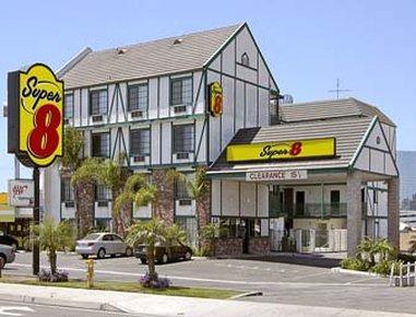 Super 8 Westminster CA/Huntington Beach Area