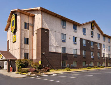 Super 8 Nashville/ Dntn/ Opryland Area